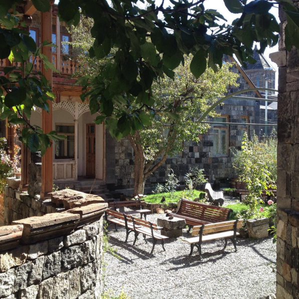 The courtyard at Villa Kars
